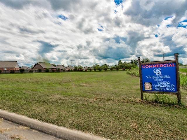 E 156th Street, Glenpool, OK 74033 (MLS #2021390) :: Active Real Estate