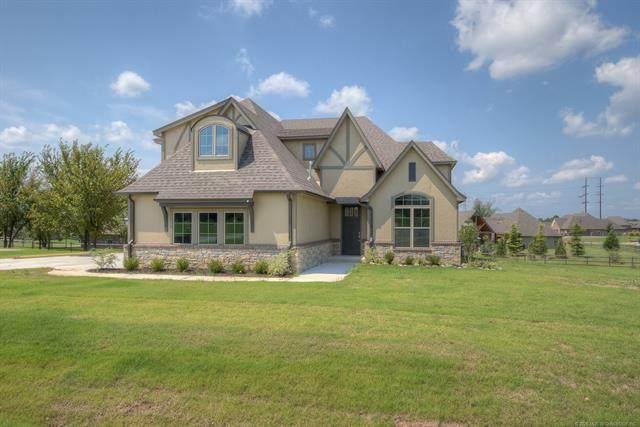 8724 N 66th East Avenue, Owasso, OK 74055 (MLS #2021647) :: Active Real Estate