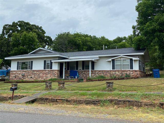 101 W Caddo, Wilburton, OK 74578 (MLS #2021954) :: 918HomeTeam - KW Realty Preferred