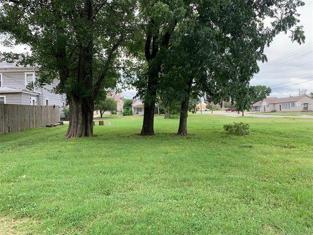 402 S Wyandotte Avenue, Bartlesville, OK 74003 (MLS #2022208) :: Hopper Group at RE/MAX Results