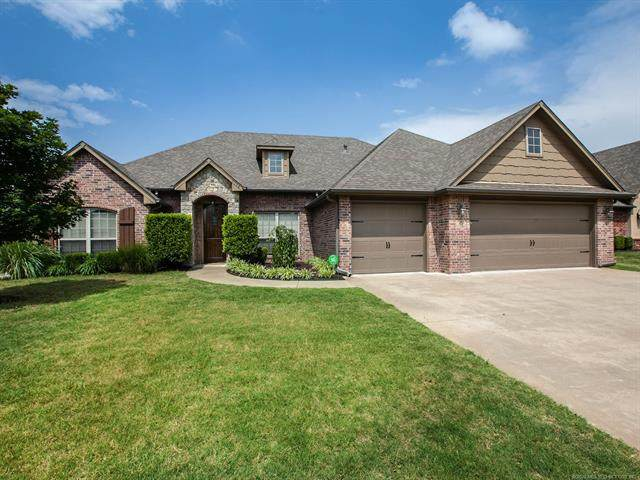 9204 N 95th East Avenue, Owasso, OK 74055 (MLS #2022566) :: Hopper Group at RE/MAX Results
