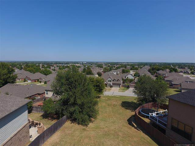 1801 N 1st Street, Broken Arrow, OK 74012 (MLS #2022738) :: Active Real Estate