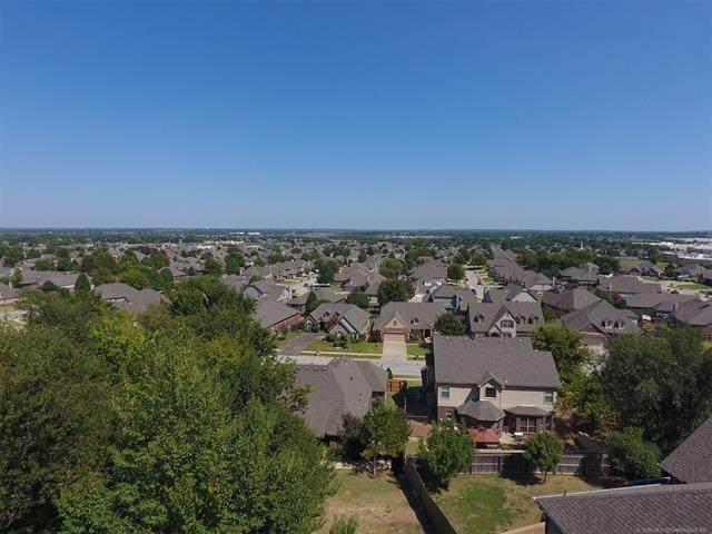 1809 N 1st Street, Broken Arrow, OK 74012 (MLS #2022744) :: Active Real Estate