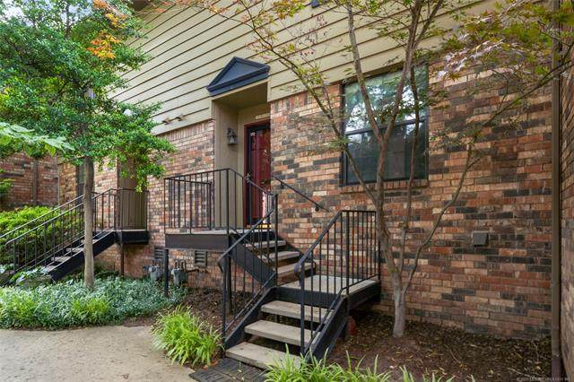 218 W 17th Place #11, Tulsa, OK 74119 (MLS #2023116) :: 918HomeTeam - KW Realty Preferred