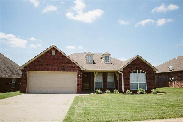 9902 N 100th East Avenue, Owasso, OK 74055 (MLS #2023138) :: Hopper Group at RE/MAX Results