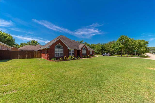 300 Oklahoma Avenue, Mcalester, OK 74501 (MLS #2023303) :: 918HomeTeam - KW Realty Preferred