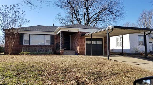 2016 E 12th Place, Tulsa, OK 74104 (MLS #2023375) :: Hopper Group at RE/MAX Results