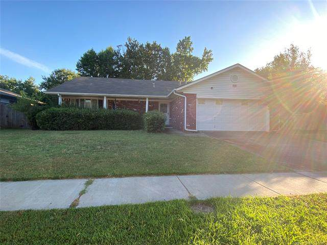 2828 S 96th East Place, Tulsa, OK 74129 (MLS #2023521) :: Hopper Group at RE/MAX Results
