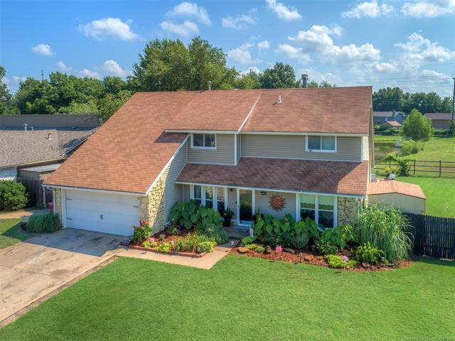8903 N 121st East Avenue, Owasso, OK 74055 (MLS #2023564) :: 918HomeTeam - KW Realty Preferred