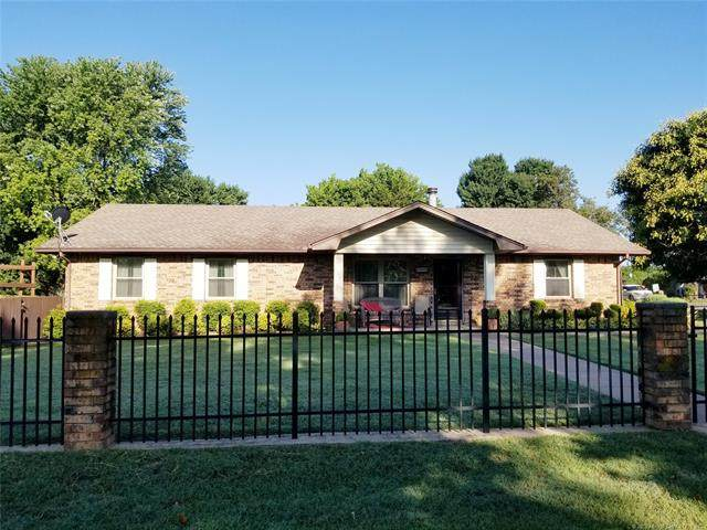 700 S 4th Street, Eufaula, OK 74432 (MLS #2023847) :: 918HomeTeam - KW Realty Preferred