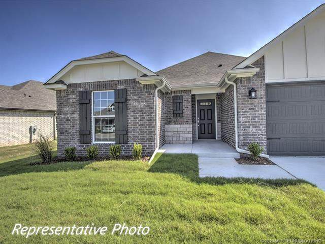 12008 N 131st East Avenue, Owasso, OK 74055 (MLS #2025295) :: 918HomeTeam - KW Realty Preferred