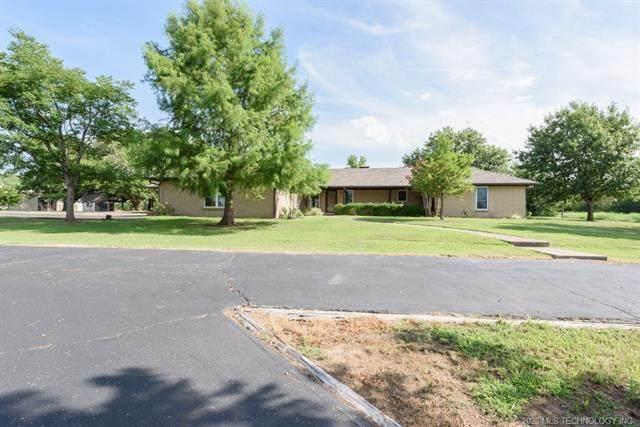 900 N Choctaw Road, Skiatook, OK 74070 (MLS #2026261) :: 918HomeTeam - KW Realty Preferred