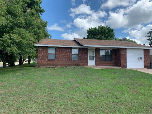 501 E Wood Place, Bristow, OK 74010 (MLS #2026361) :: Active Real Estate