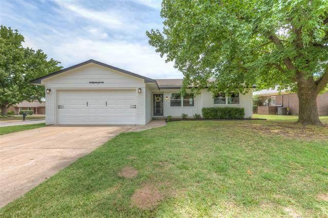 2901 S Elm Avenue, Broken Arrow, OK 74012 (MLS #2026650) :: Active Real Estate