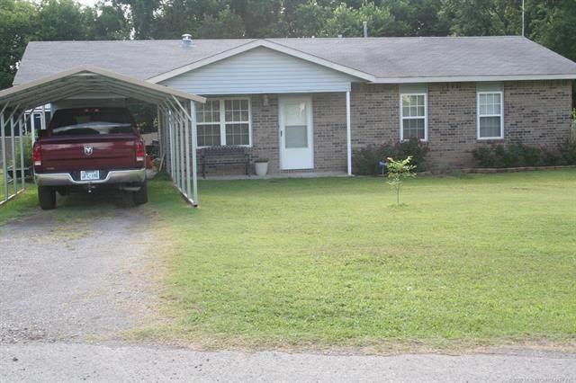 612 S Sycamore Street, Locust Grove, OK 74352 (MLS #2026892) :: 918HomeTeam - KW Realty Preferred