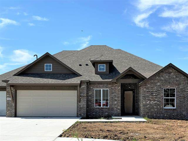 1505 E Atlanta Street, Broken Arrow, OK 74012 (MLS #2027949) :: Active Real Estate