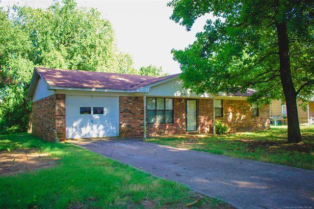 426 NE 5th, Durant, OK 74701 (MLS #2027990) :: 918HomeTeam - KW Realty Preferred