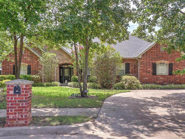 604 W 37th Place, Sand Springs, OK 74063 (MLS #2028152) :: 918HomeTeam - KW Realty Preferred