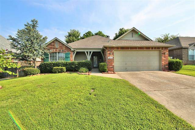 10313 E 113th Place S, Bixby, OK 74008 (MLS #2028324) :: 918HomeTeam - KW Realty Preferred