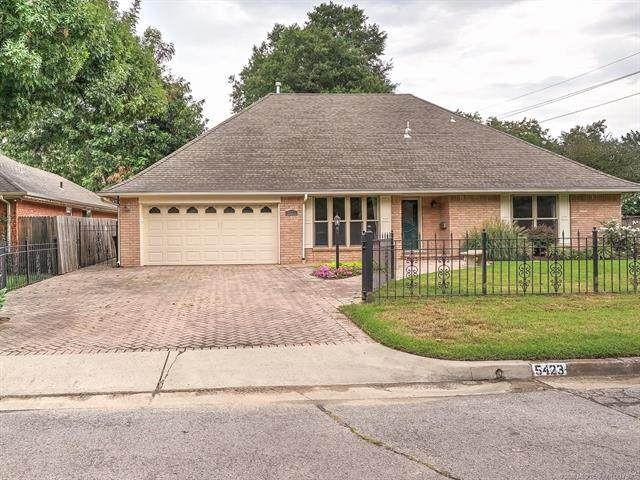 5423 S Xanthus Avenue, Tulsa, OK 74105 (MLS #2028353) :: 918HomeTeam - KW Realty Preferred