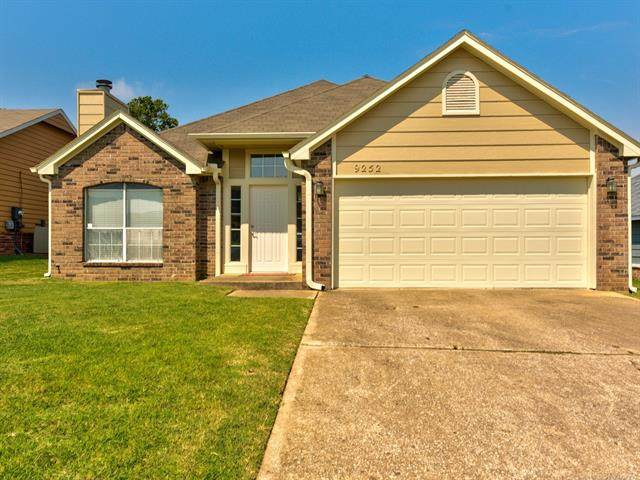 9252 S 85th East Avenue, Tulsa, OK 74133 (MLS #2028547) :: Hopper Group at RE/MAX Results
