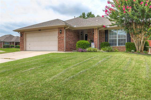 9418 S 87th East Avenue, Tulsa, OK 74133 (MLS #2028589) :: 918HomeTeam - KW Realty Preferred