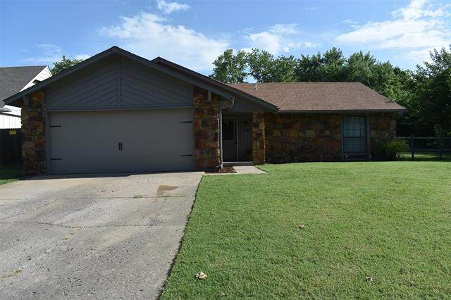 12007 E 88th Place N, Owasso, OK 74055 (MLS #2028622) :: Hopper Group at RE/MAX Results