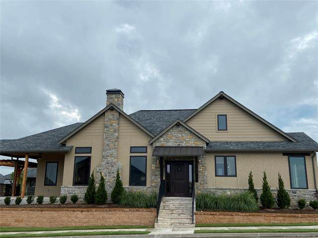 8405 S Phoenix Place, Tulsa, OK 74132 (MLS #2028636) :: Hopper Group at RE/MAX Results