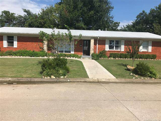 940 N Linda, Ada, OK 74820 (MLS #2028754) :: Hopper Group at RE/MAX Results