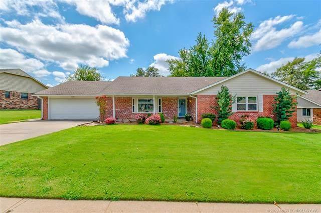 2525 Georgetown Drive, Bartlesville, OK 74006 (MLS #2028771) :: 918HomeTeam - KW Realty Preferred