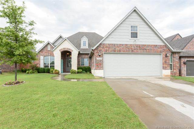 1910 W 117th Place S, Jenks, OK 74037 (MLS #2028777) :: Hopper Group at RE/MAX Results