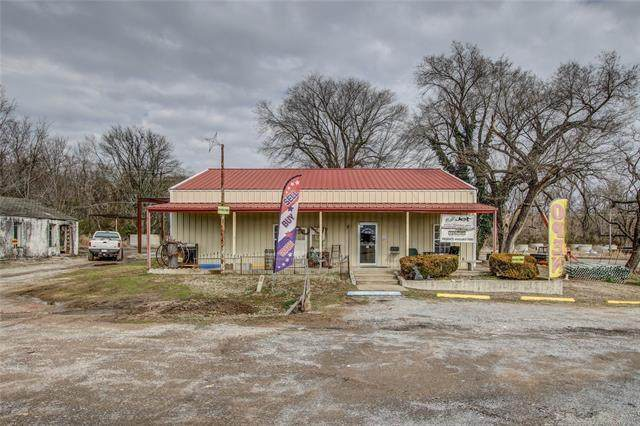 18050 Muskogee Avenue - Photo 1