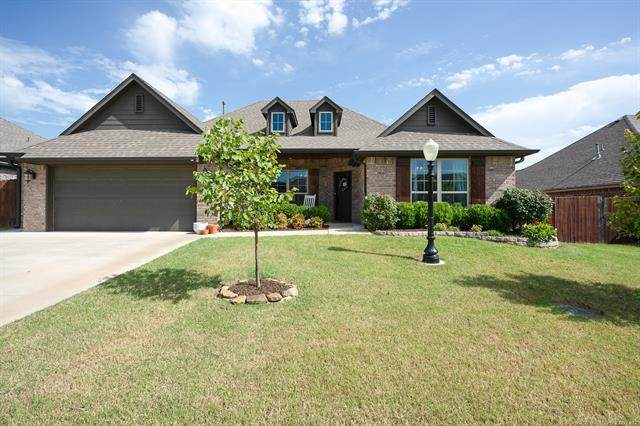 10555 E 141st Court North, Collinsville, OK 74021 (MLS #2028835) :: Hopper Group at RE/MAX Results