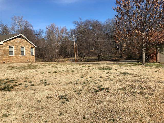1333 E 32nd Place, Tulsa, OK 74105 (MLS #2028923) :: Active Real Estate