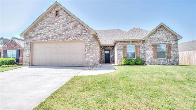 1101 Midway Road, Claremore, OK 74019 (MLS #2029023) :: Hopper Group at RE/MAX Results