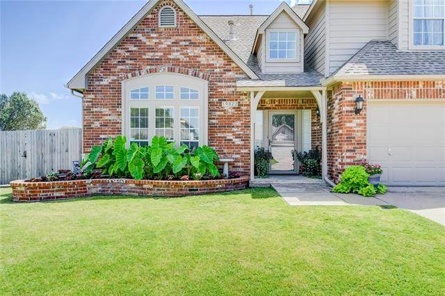 19822 E 38th Place S, Broken Arrow, OK 74014 (MLS #2029026) :: Hopper Group at RE/MAX Results