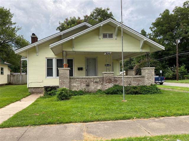 939 Chestnut Street, Muskogee, OK 74403 (MLS #2029057) :: 918HomeTeam - KW Realty Preferred