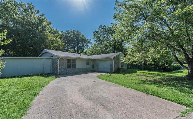 406 Timberlane Drive, Wagoner, OK 74467 (MLS #2029180) :: Hopper Group at RE/MAX Results