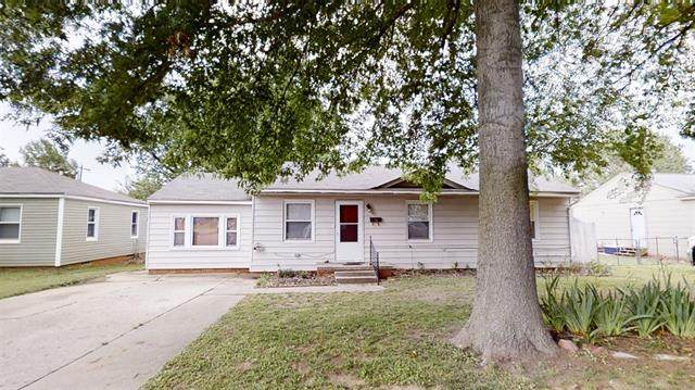704 S Howerton Avenue, Cushing, OK 74023 (MLS #2029191) :: Active Real Estate