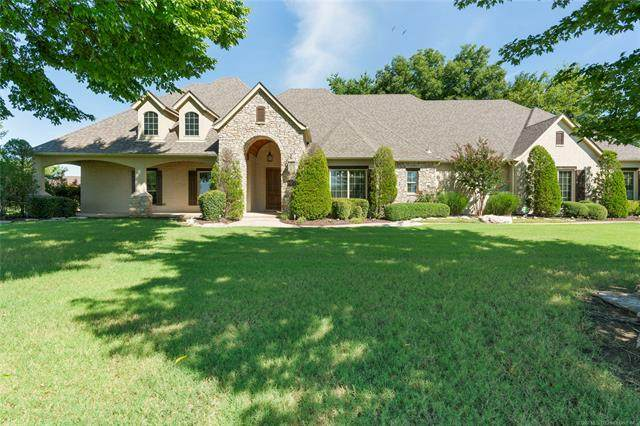 7063 Greenbriar Drive, Owasso, OK 74055 (MLS #2029808) :: 918HomeTeam - KW Realty Preferred