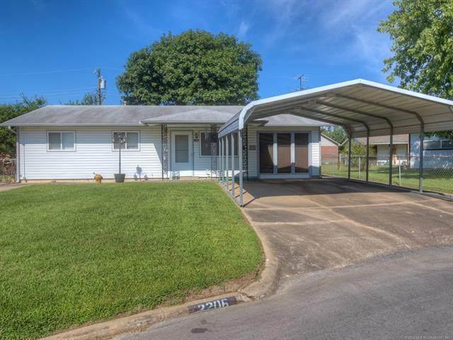 2206 S Cedar Street, Sapulpa, OK 74066 (MLS #2029987) :: Hopper Group at RE/MAX Results