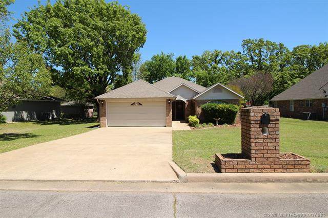 2304 Cardinal Street, Poteau, OK 74953 (MLS #2030089) :: Hometown Home & Ranch