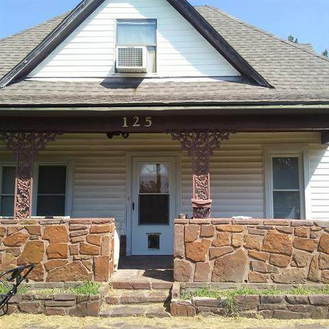 125 S Vann Street, Pryor, OK 74361 (MLS #2030291) :: Active Real Estate