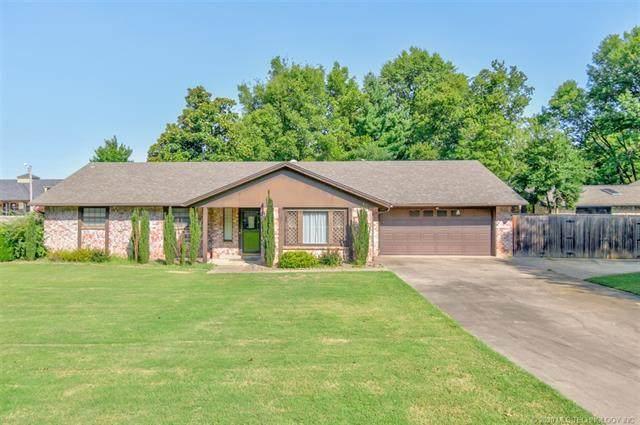 2400 Oakdale Drive, Bartlesville, OK 74006 (MLS #2030412) :: Active Real Estate