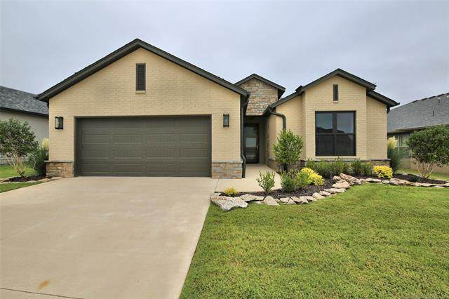 911 W 85th Street S, Tulsa, OK 74132 (MLS #2030883) :: Hopper Group at RE/MAX Results