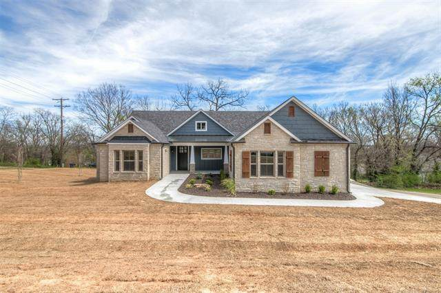 1715 W Blue Starr Drive, Claremore, OK 74017 (MLS #2030935) :: Hopper Group at RE/MAX Results