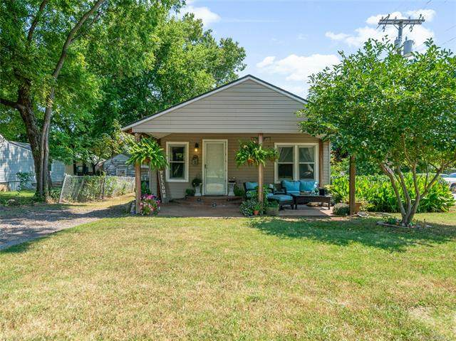 3911 S 32nd West Avenue, Tulsa, OK 74107 (MLS #2030984) :: Hopper Group at RE/MAX Results