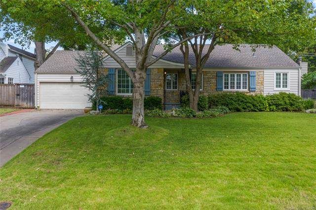 2447 E 25th Place, Tulsa, OK 74114 (MLS #2031403) :: Hopper Group at RE/MAX Results