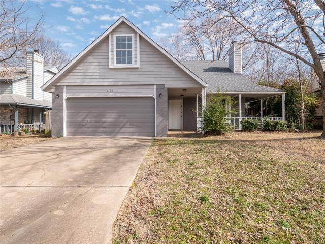1708 S Cherokee Place, Claremore, OK 74019 (MLS #2031473) :: Active Real Estate