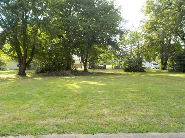 206 N Whitaker Street, Pryor, OK 74361 (MLS #2033014) :: Hometown Home & Ranch